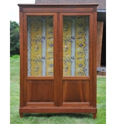 French Country Vitrine/Cabinet